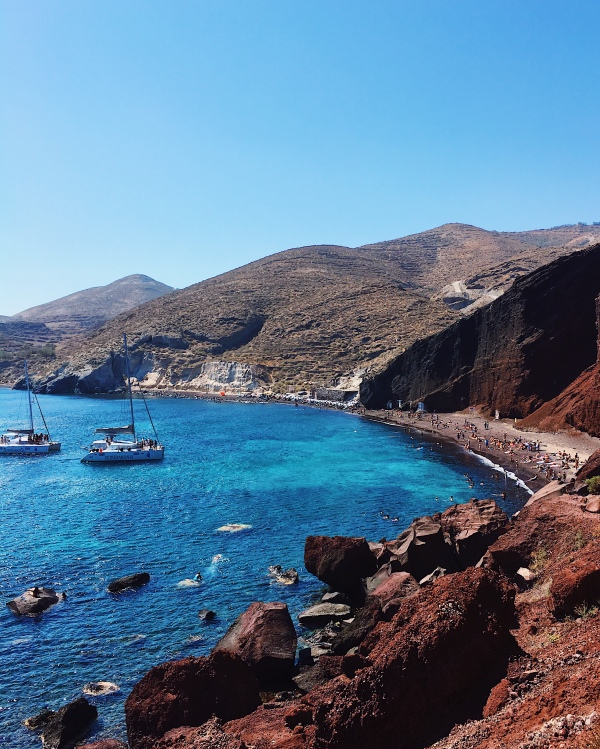 red beach santorini good city guides